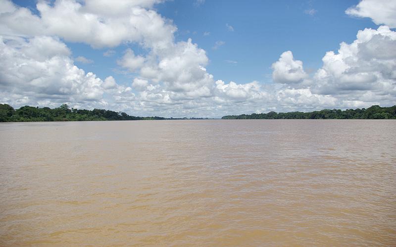 アマゾン 川
